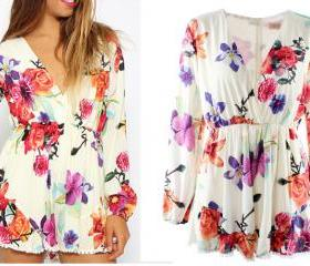 V neck long sleeved floral one-piece shorts